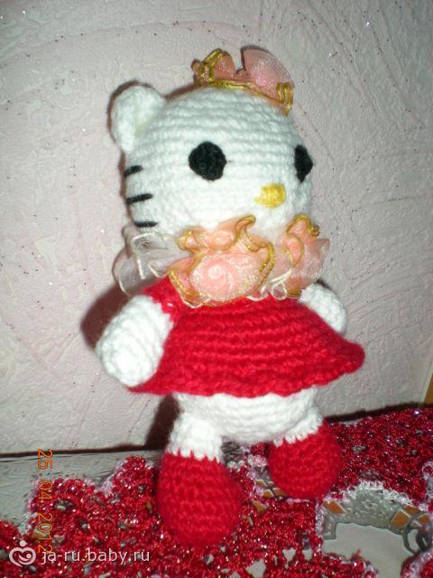 Игрушка крючком Hello Kitty