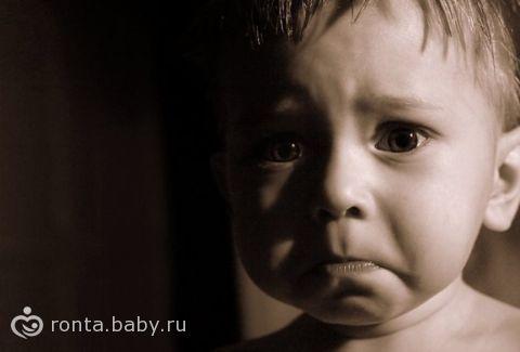 Как помочь малышу побороть страх темноты?