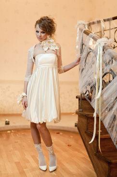 Короткое свадебное платье - фото.