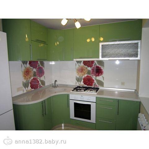 Фото кухни с салатными фасадами