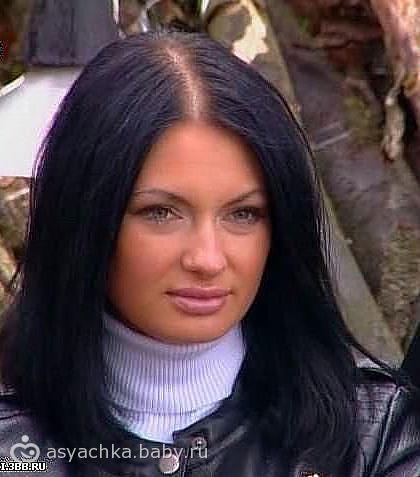 попытка 2))) ну посмотрите какие щечки)))))))) это же королева дома 2 вначале карьеры)))