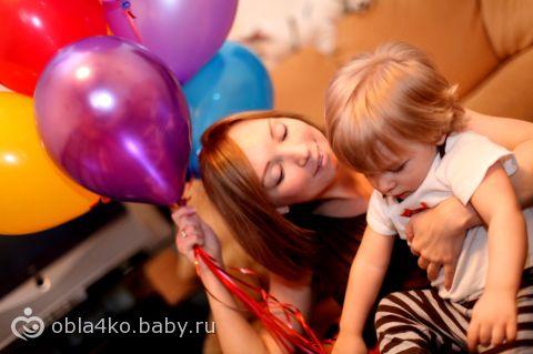 ЛеоЛохматик и его мама с шариками.